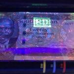 Review – Nam Sudan dưới đèn UV